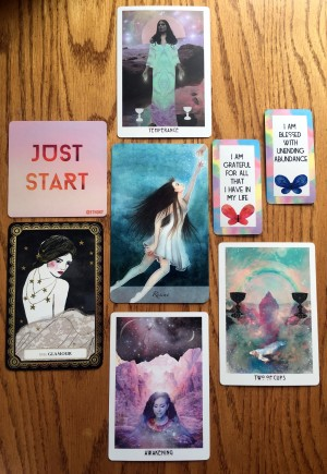 Tarot and ORacle Card Reading